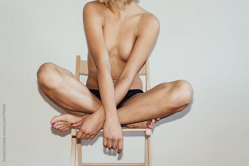 Close up of naked woman by Katarina Simovic for Stocksy United