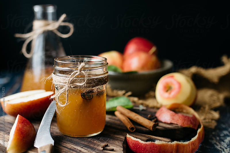 Apple cider and fresh apples by Gabriel (Gabi) Bucataru for Stocksy United
