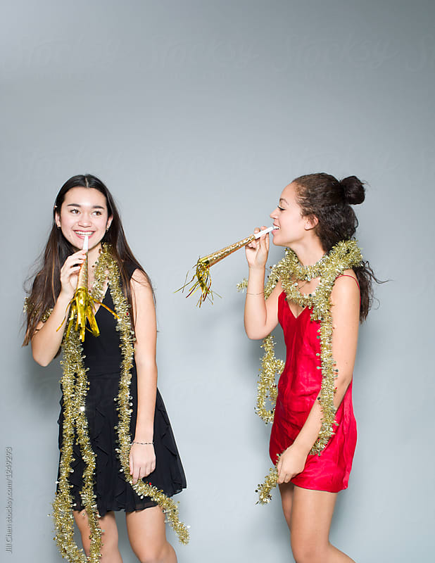 Teenage Girls Celebrating New Year\'s Eve