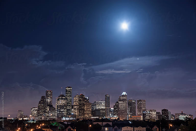 Beautiful full moon over downtown Houston by yuko hirao for Stocksy United